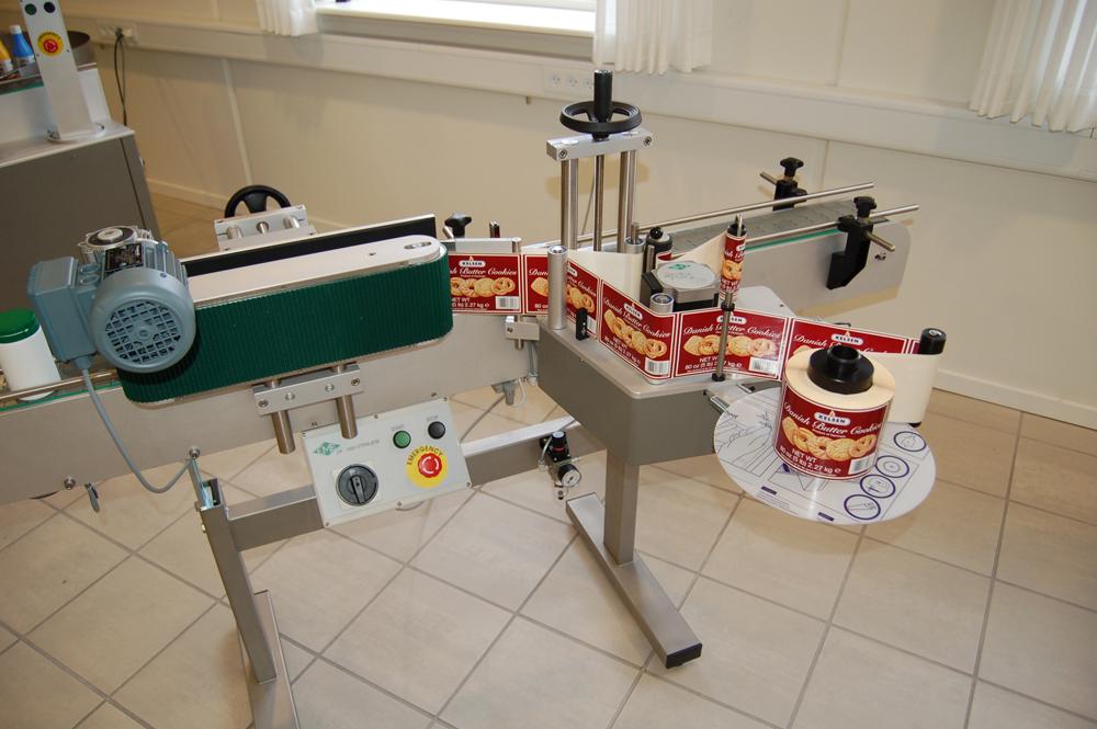 Wrapround labelling Machine